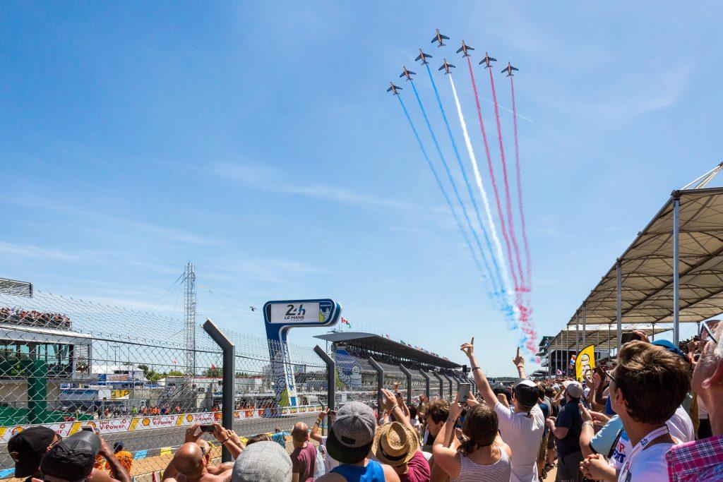 La patrouille de France avant le départ de la course !